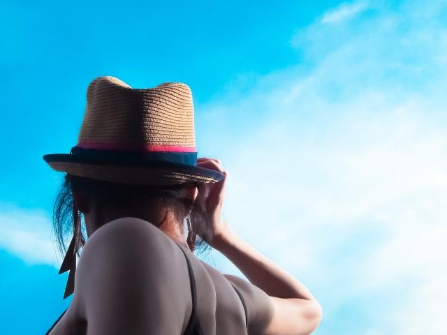 肩甲骨はがしで顔のたるみを改善することができる?