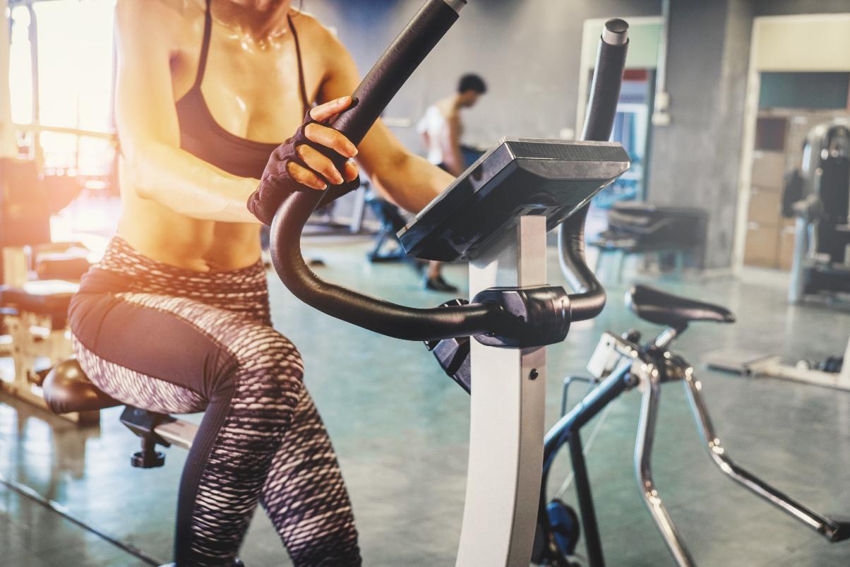 【保存版】HIIT(ヒット)はエアロバイクで行うとダイエット効果が高い?