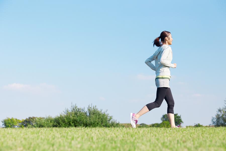 疲れ軽減には負荷の軽いジョギングなどが適しています