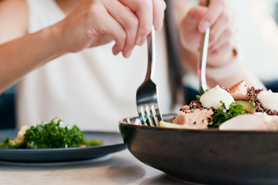 女性の筋トレ効果を高める食事とは?