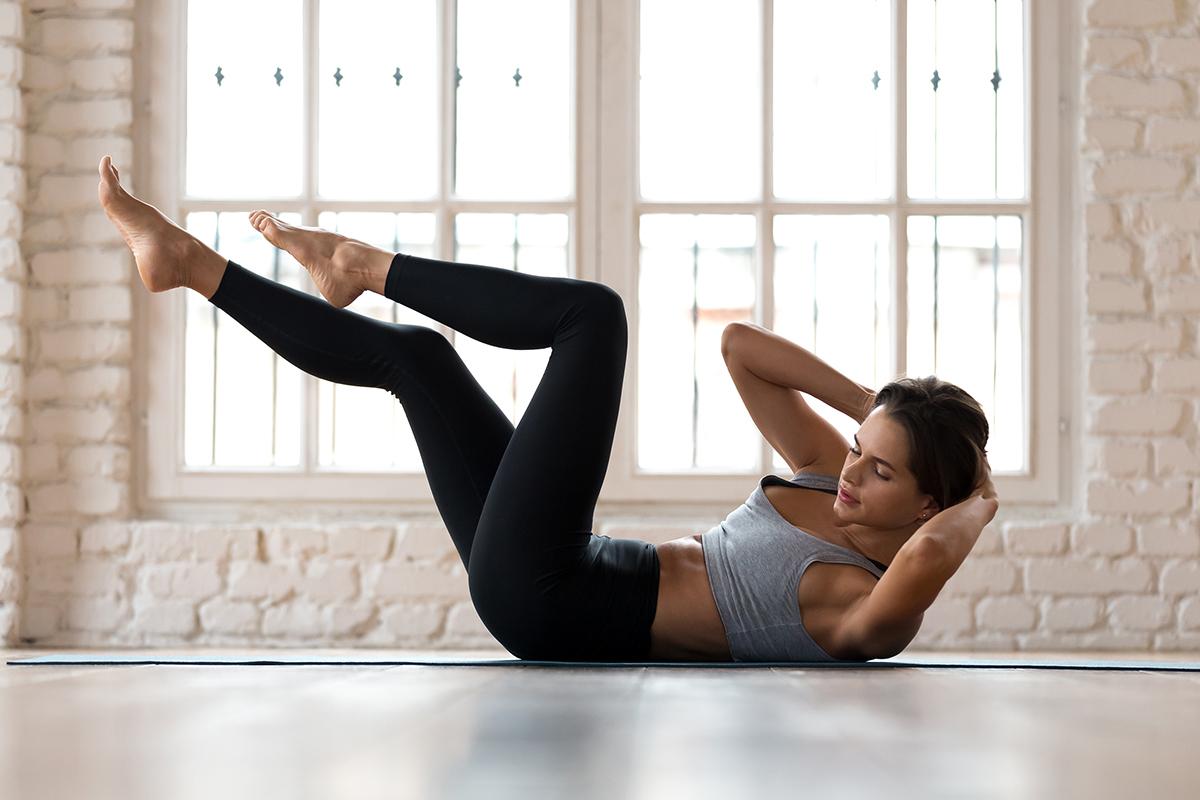 腰痛や下半身太りに効果的!? ピラティスで行う体幹トレーニングとは?