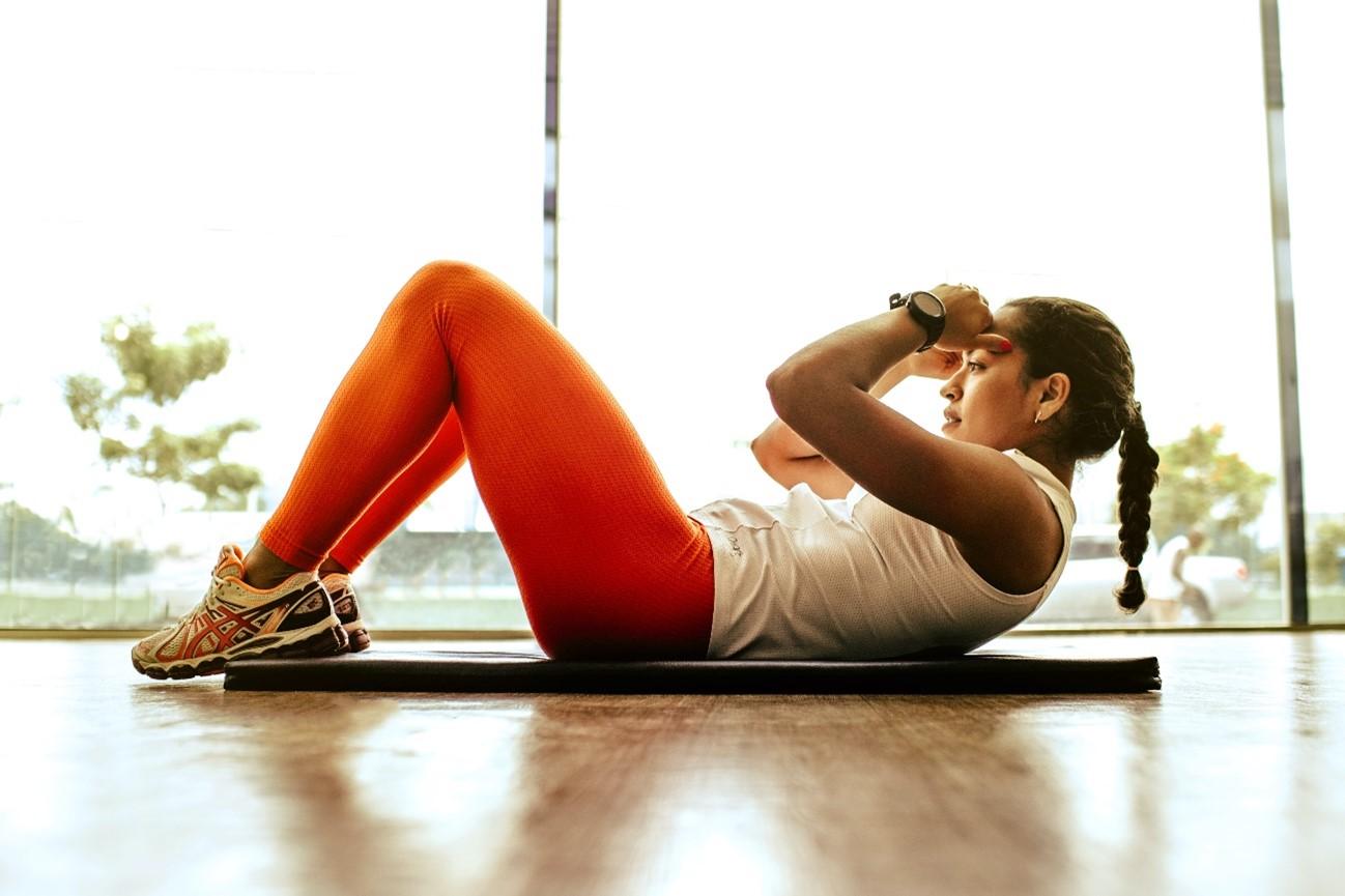 姿勢を直して歪みを改善!ピラティスで得られる体幹トレーニングの効果とは?