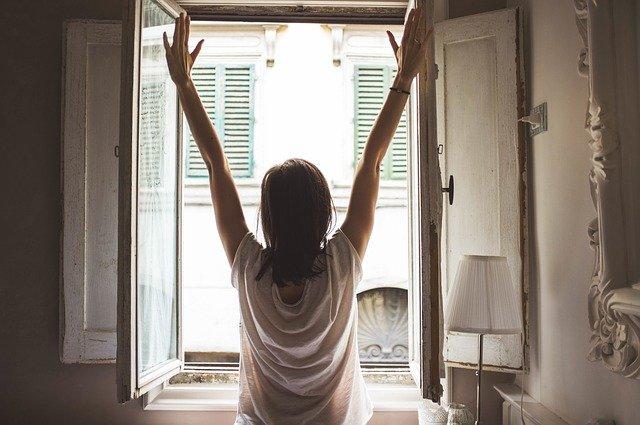 ダイエット目的のヨガを行うベストタイミングは朝にすること!