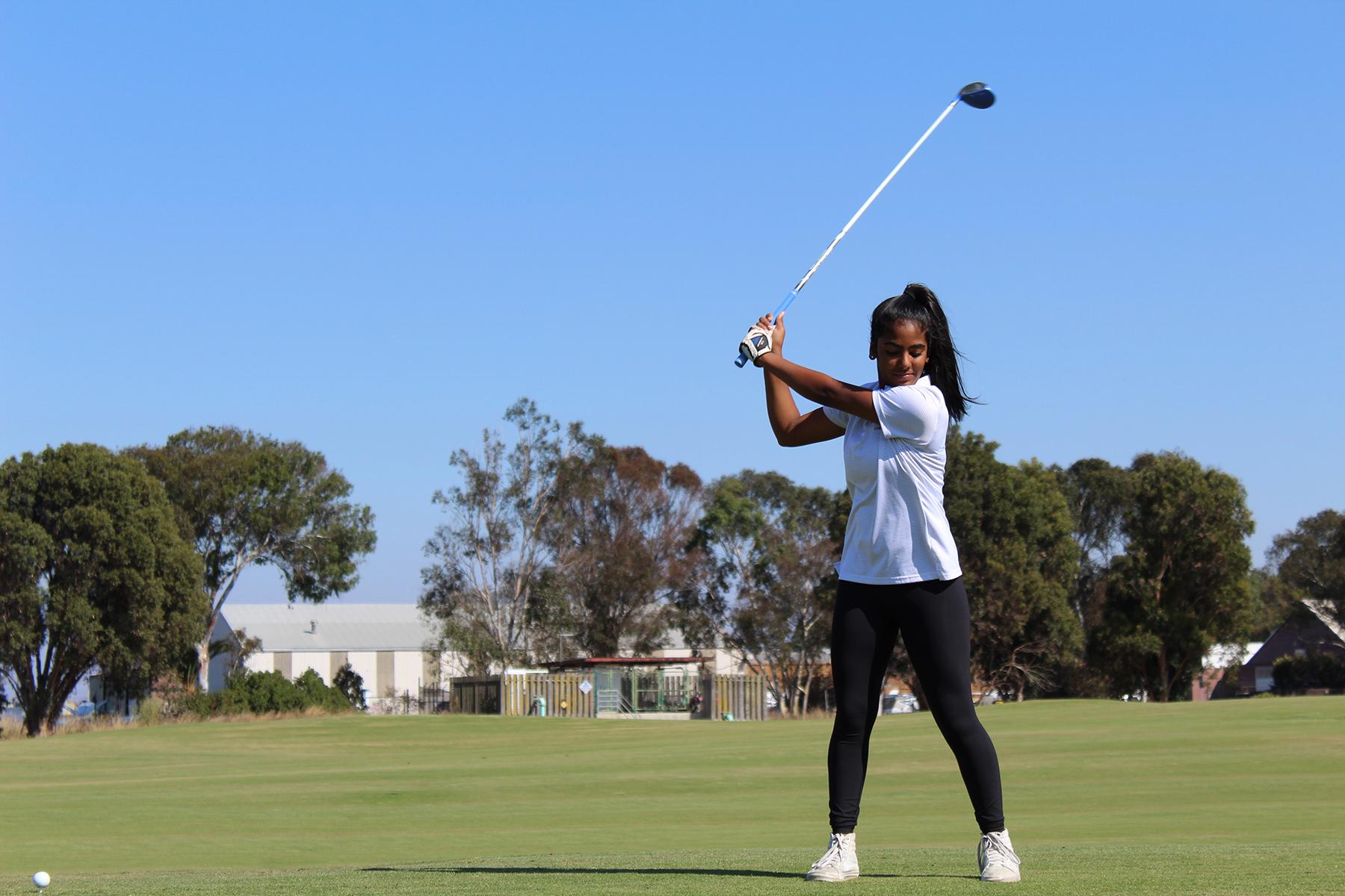 ピラティスで肩の可動域を広げて美しいゴルフスイングをしよう