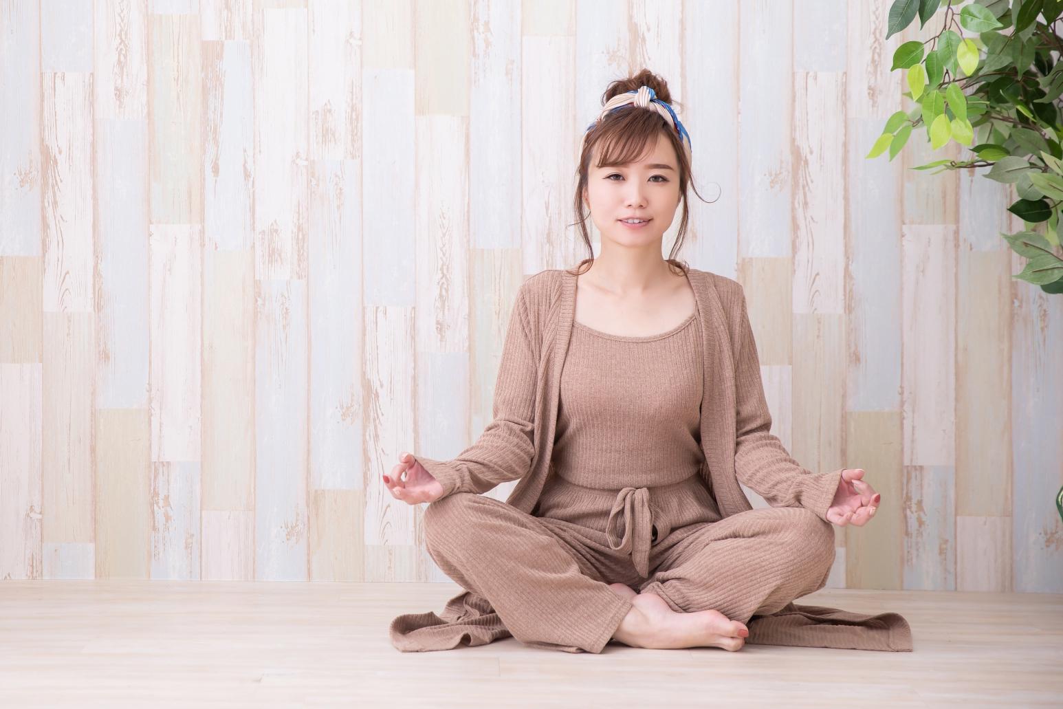 ダイエットと瞑想。メンタルを整えることで自然と過食を抑えられる